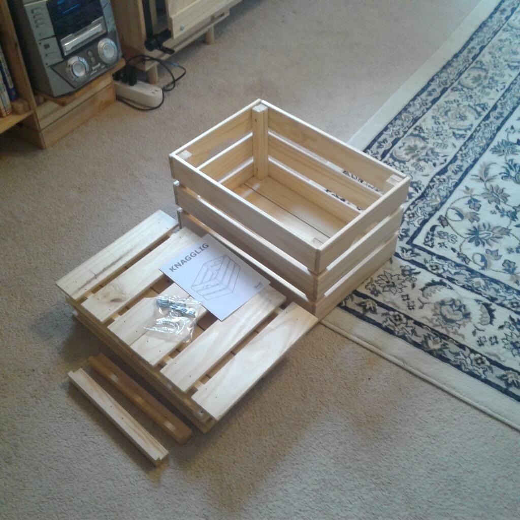 IKEA KNAGGLIG box