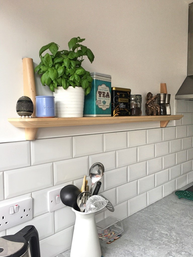 lisabo kitchen shelf