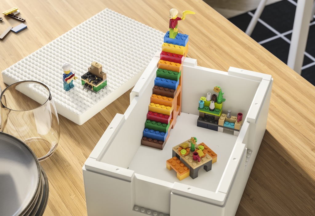 IKEA LEGO BYGGLEK box inside