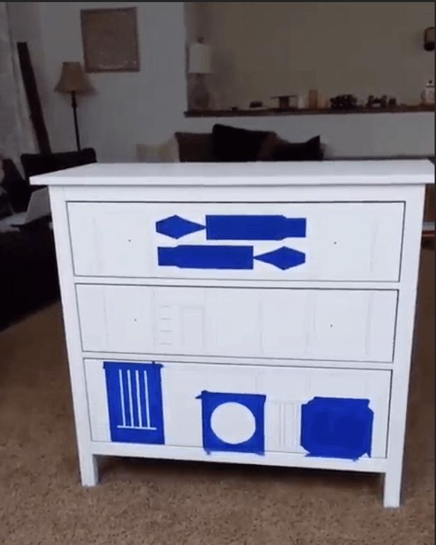 R2-D2 dresser hack