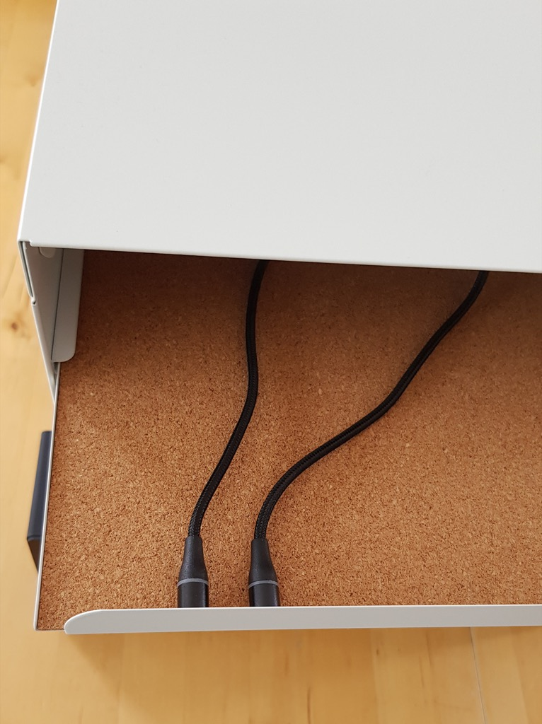 magnetic cables
