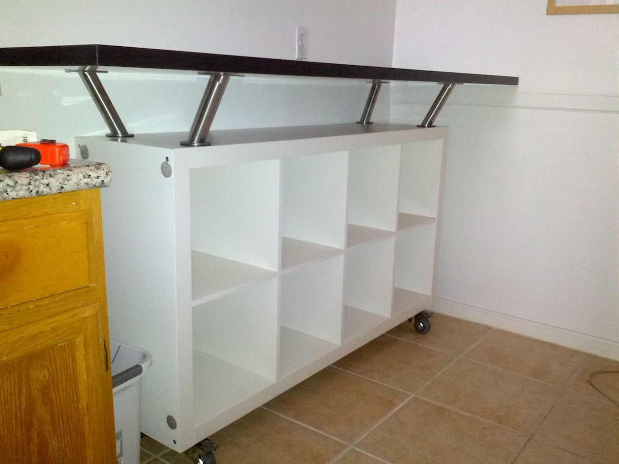Breakfast Bar With Lot Of Storage E