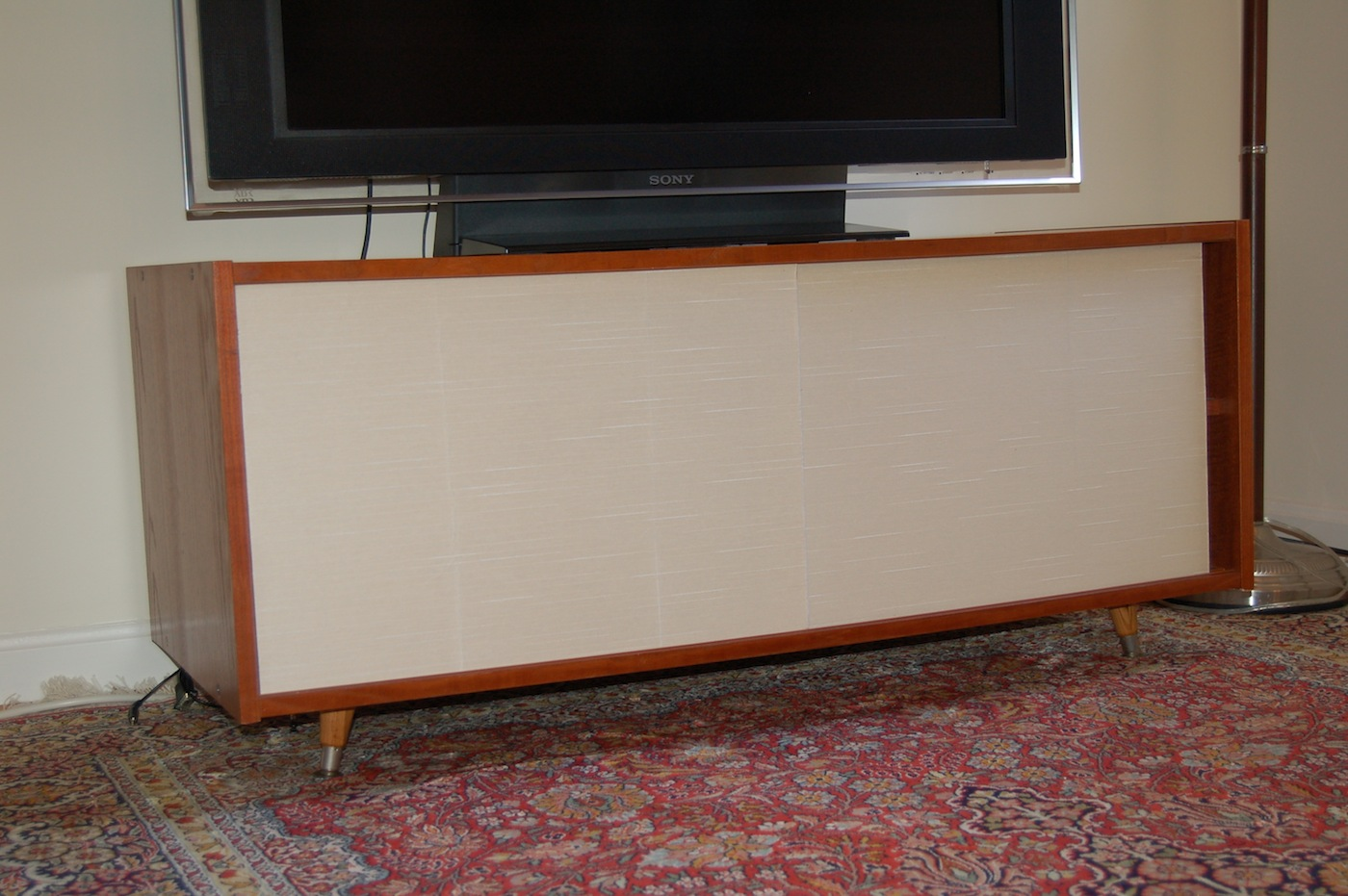 Ikea Credenza Tv Stand : Benno tv bench gets new life as paul mccobb inspired cabinet