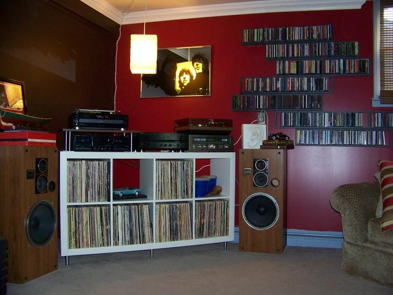 Expedit Cd retro 60's expedit stereo corner - ikea hackers
