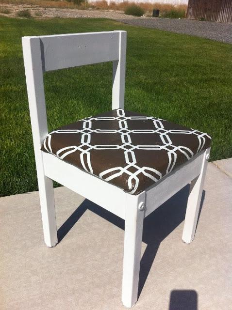 upholstered latt chair