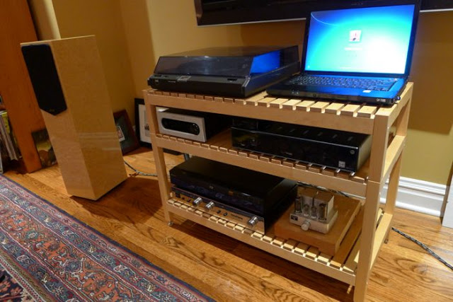 Molger audio rack