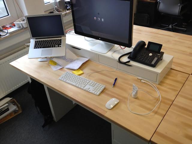 Space-efficient IT-Workstation