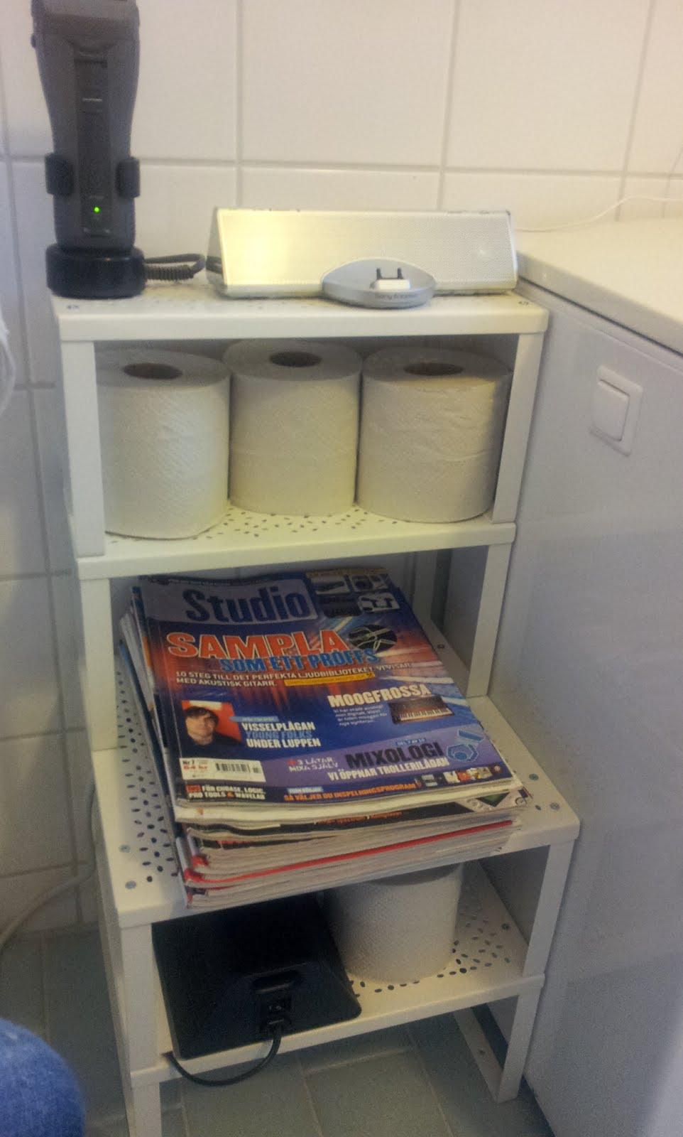Variera shelf insert turned into a bathroom shelf for speaker