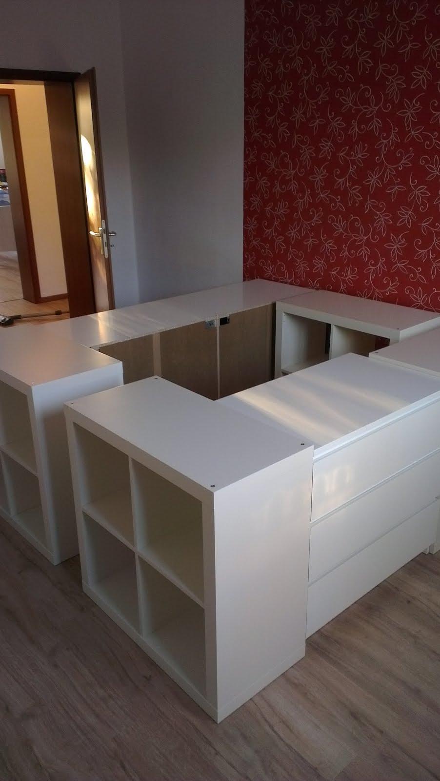 Half a loft bed ikea hackers ikea hackers - Fabriquer un lit avec rangement ...