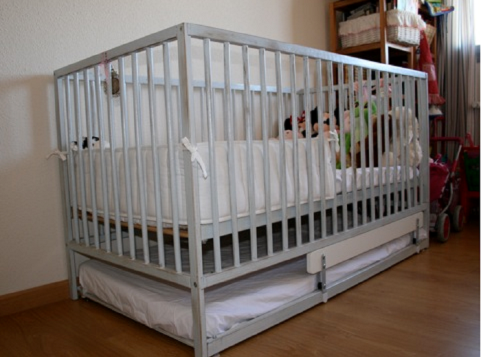 Ikea Crib The Black And White Is Perfect With A Little Pop Of