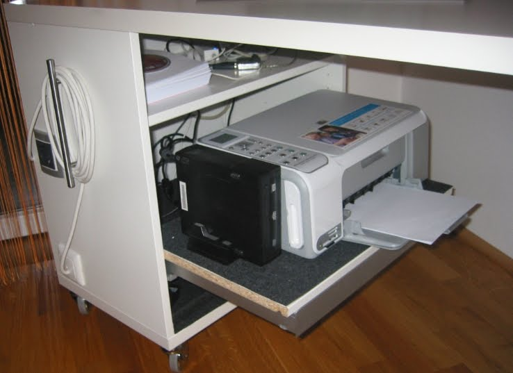 Computer table with shelf for printer - IKEA Hackers