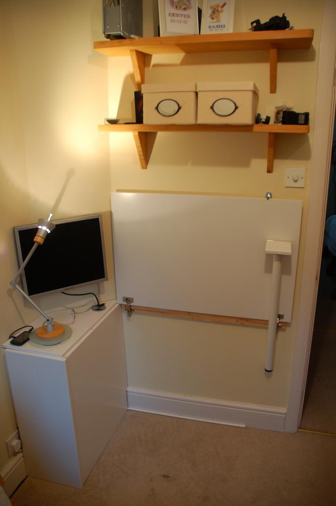 Cupboard Door Folding Desk - IKEA Hackers - IKEA Hackers