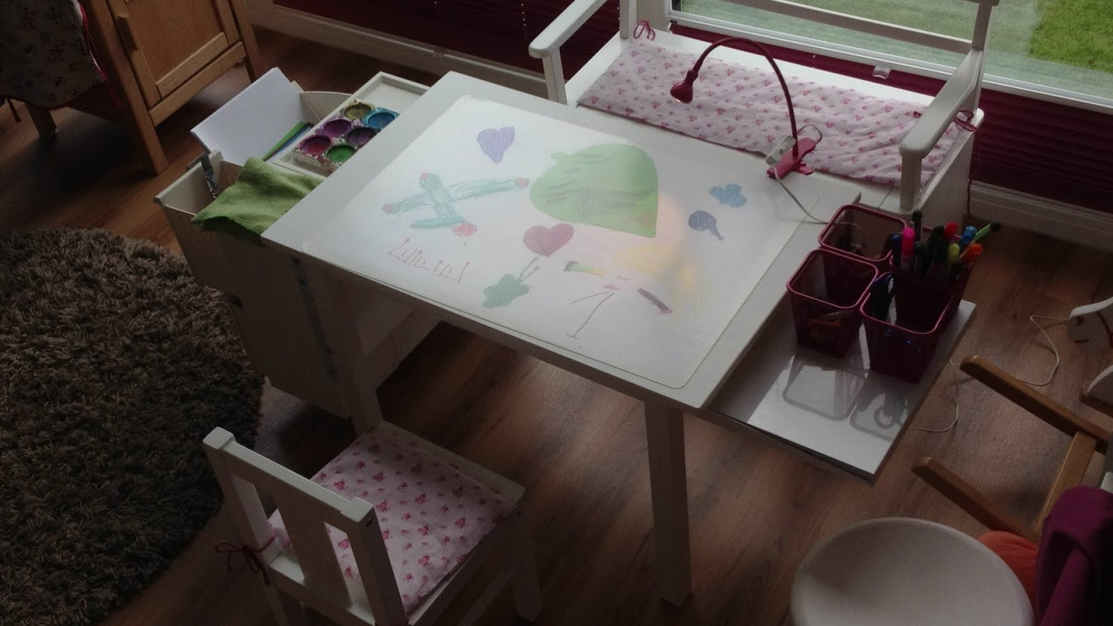 Art desk for kids ikea hackers