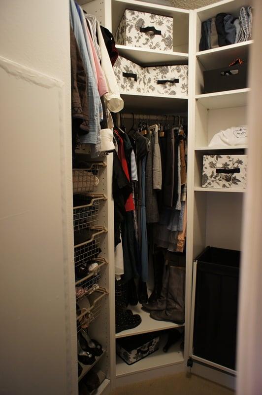 Custom walk in pax closet ikea hackers ikea hackers - Customiser armoire ikea ...