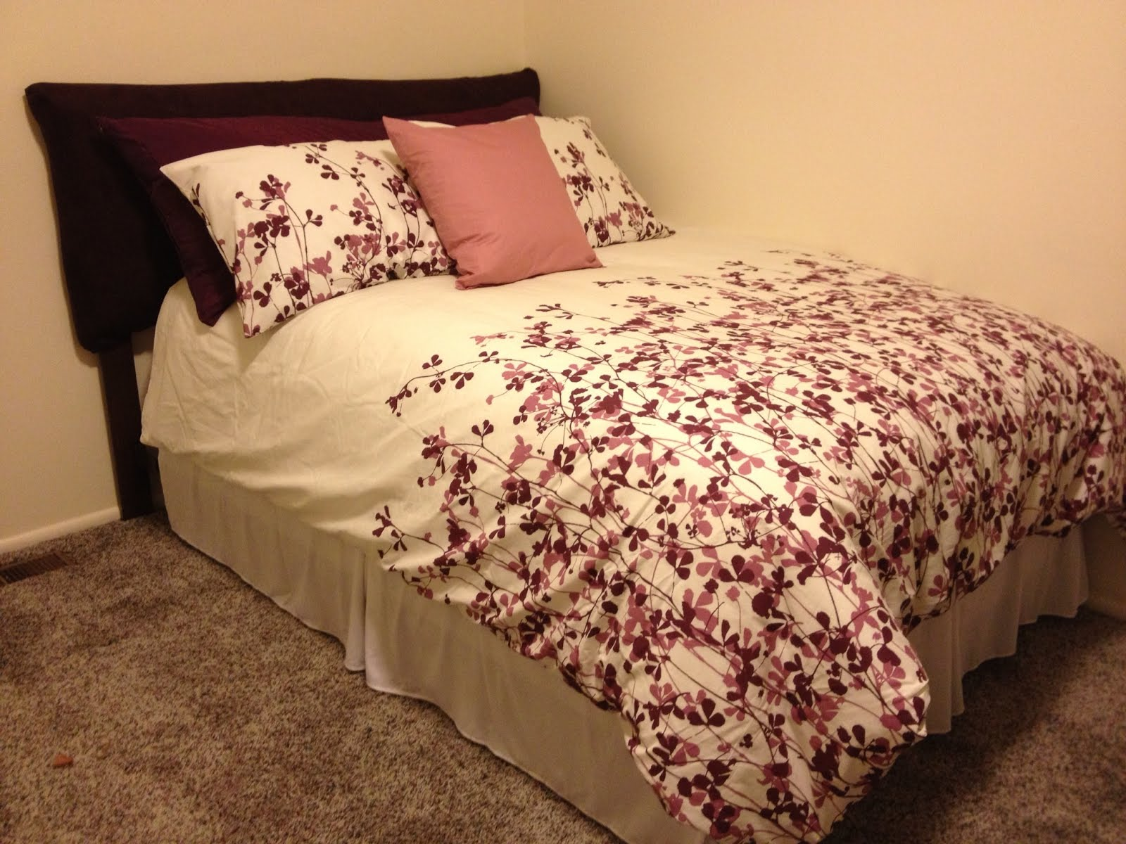 Nice Gorm bees padded headboard full queen
