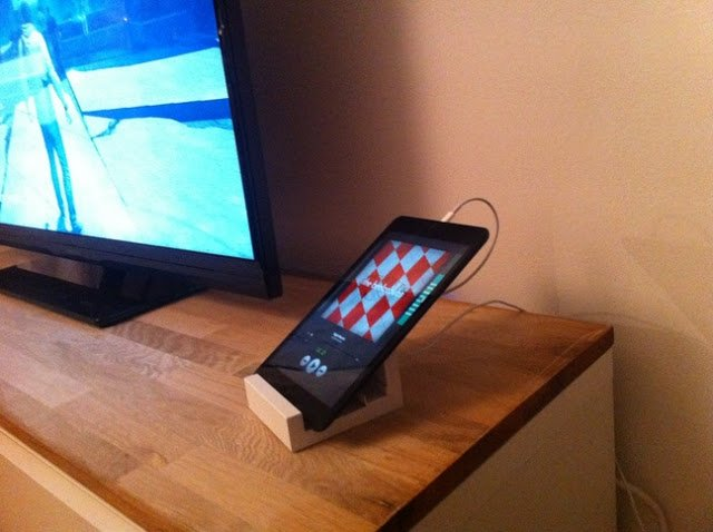 RIBBA picture ledge tablet stand