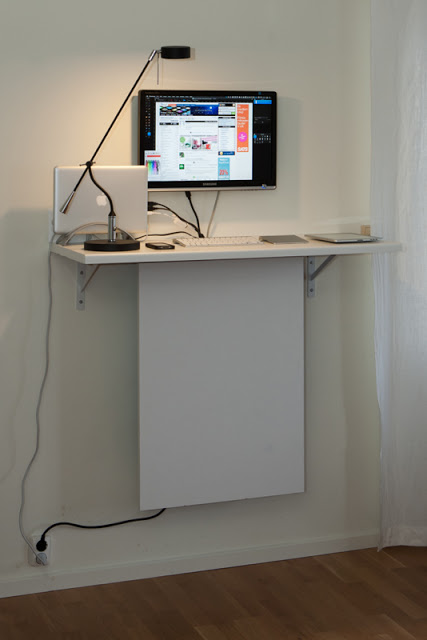 Standing desk with