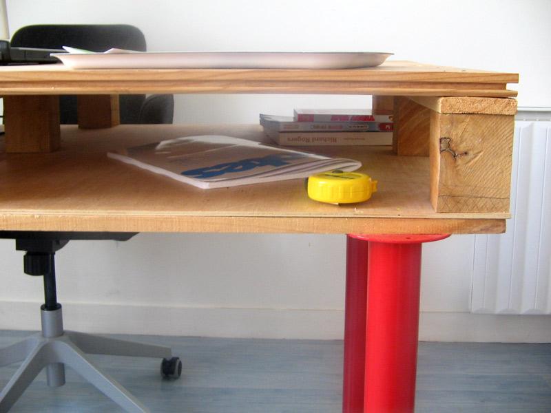 Drafting table plans - Pallet Desk Ikea Hackers Ikea Hackers