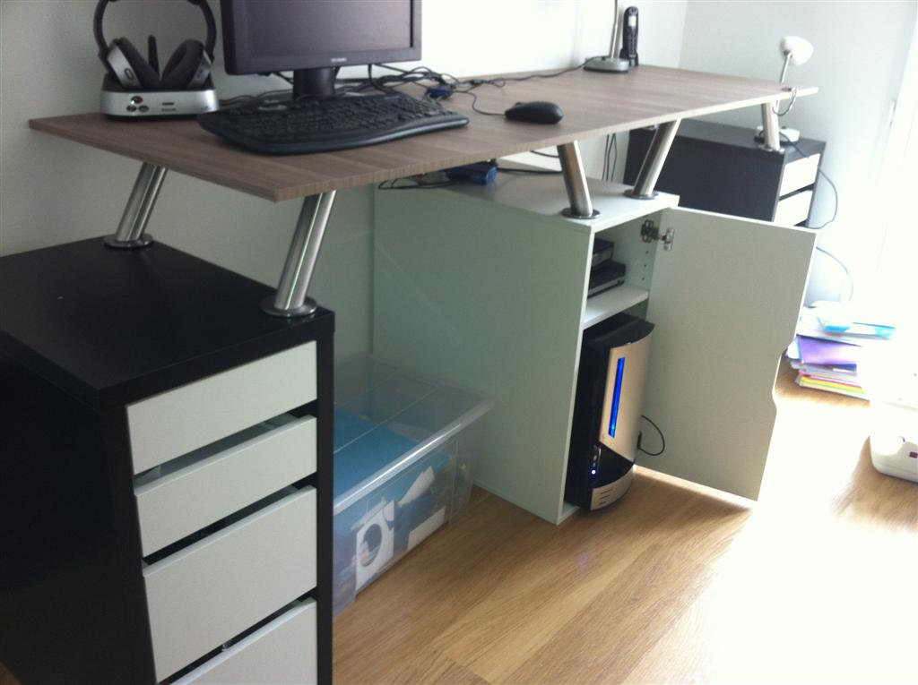 Double desk light and full of storage space ikea - Meuble 9 cases ikea ...