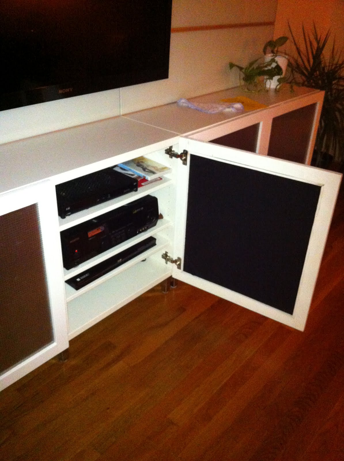 cool speaker friendly besta doors hack