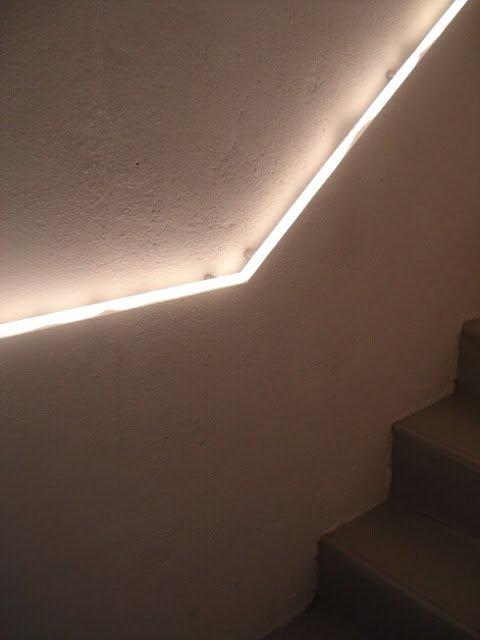 lighted stairway handrail