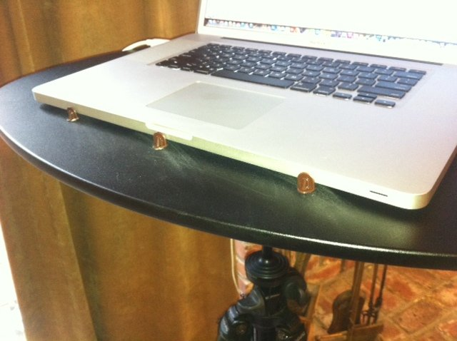 Dave tripod laptop table