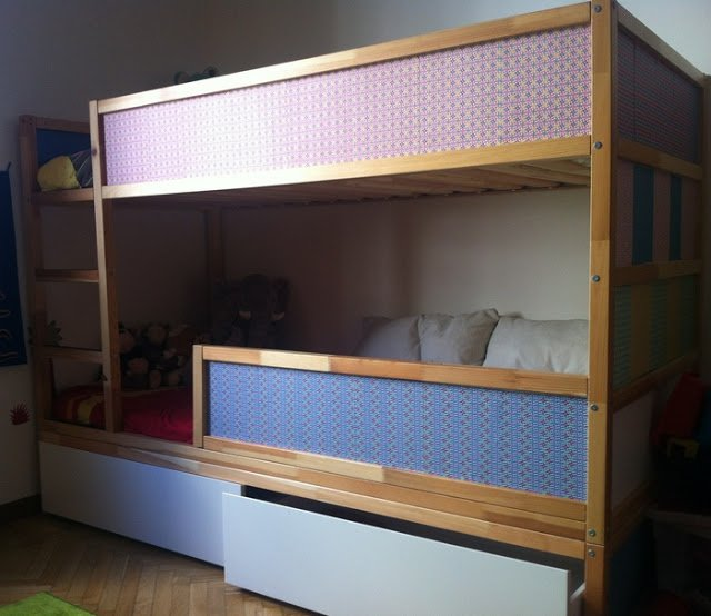 Kura with underbed storage
