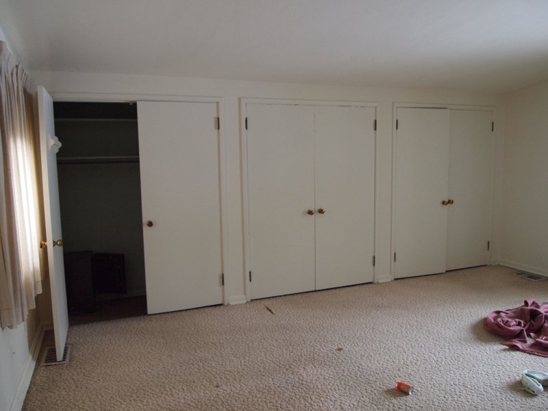 pax closet doors, no bottom rail  ikea hackers  ikea hackers,