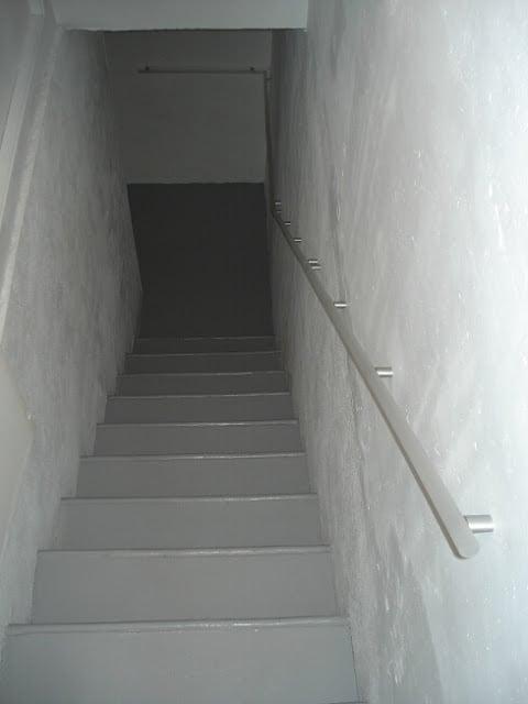 lighted stairway handrail