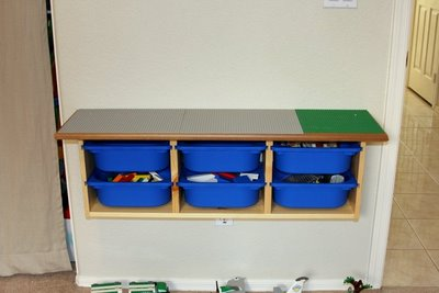 LEGO activity table - LEGO base plates