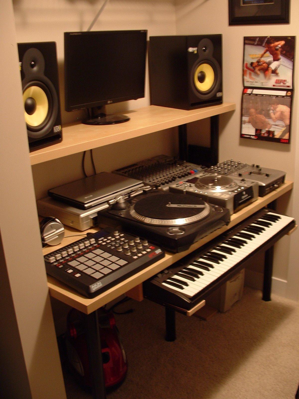 Http Www Ikeahackers Net 2009 06 Compact Music Studio Html
