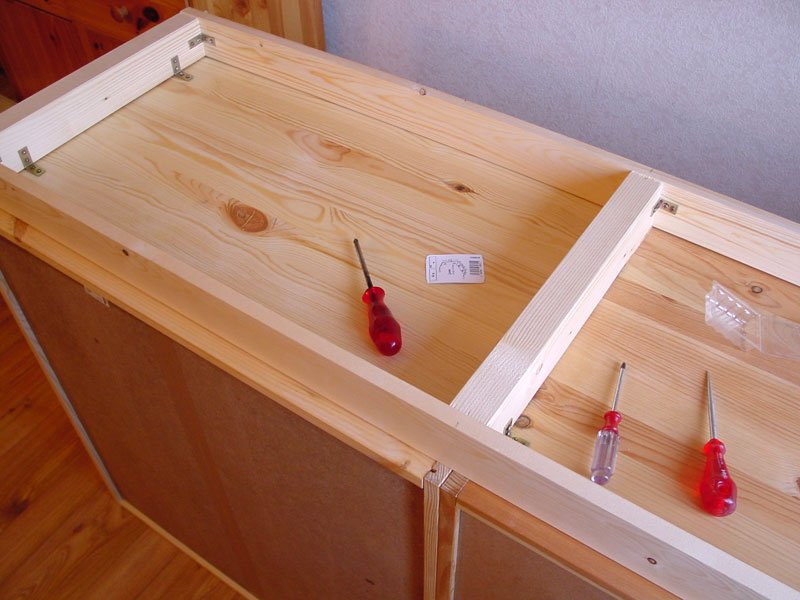 Ivar cabinets mounted on wooden supports - IKEA Hackers ...