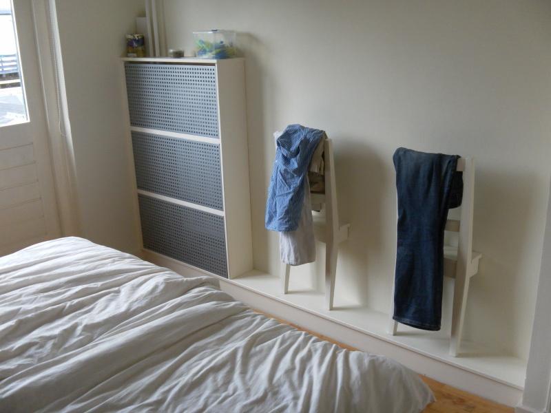 Спальня из ненужных вещей