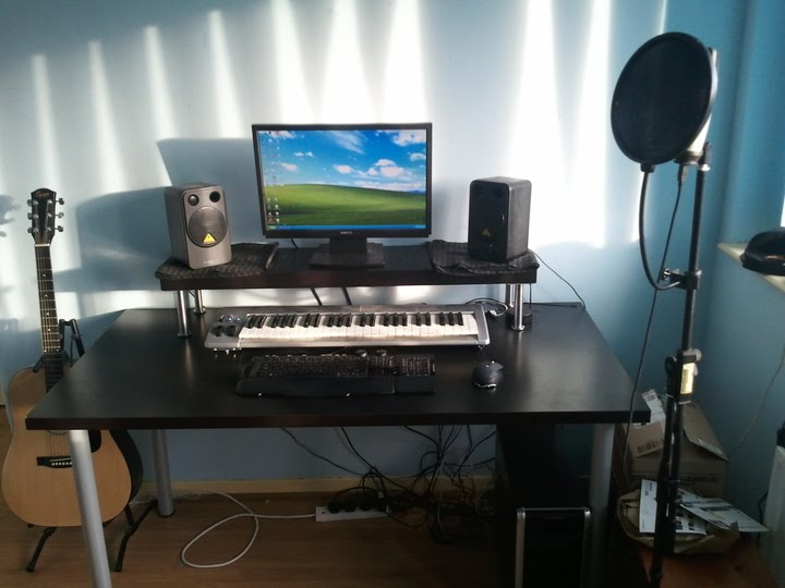 Cheapest home studio desk ever! - IKEA Hackers - IKEA Hackers