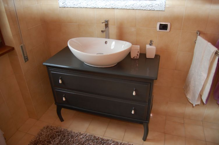Elegant Another Edland bathroom vanity