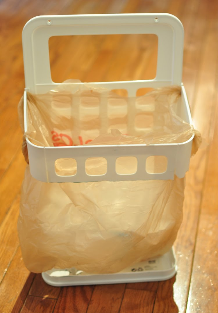 Plastic Bag Trash Receptacle - IKEA Hackers - IKEA Hackers