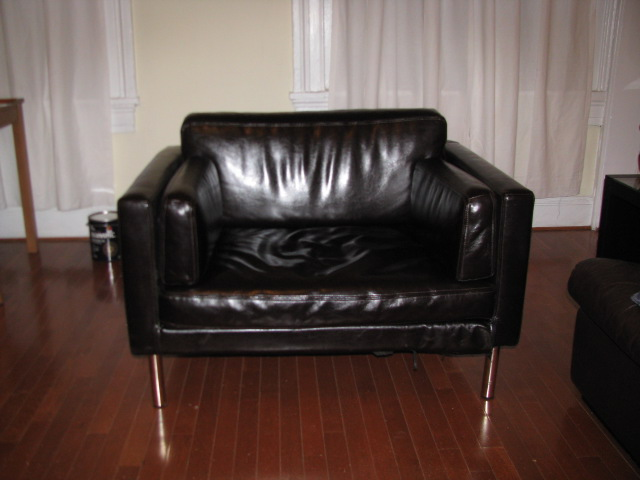 sater 25 seat sofa to leather chair